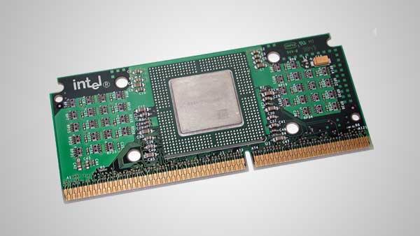 Процессорные слоты, процессорные узлы состоящие из центрального процессора и различных компонентов с позолоченными контактами